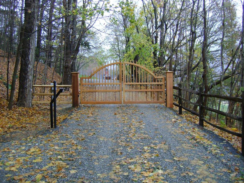 Driveway gate and garden arbor news from new england woodworks for Garden gate designs wood rustic
