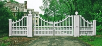 Staggered Concave Wooden Driveway Gate