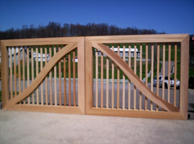 Custom Design Wooden Entry Gate