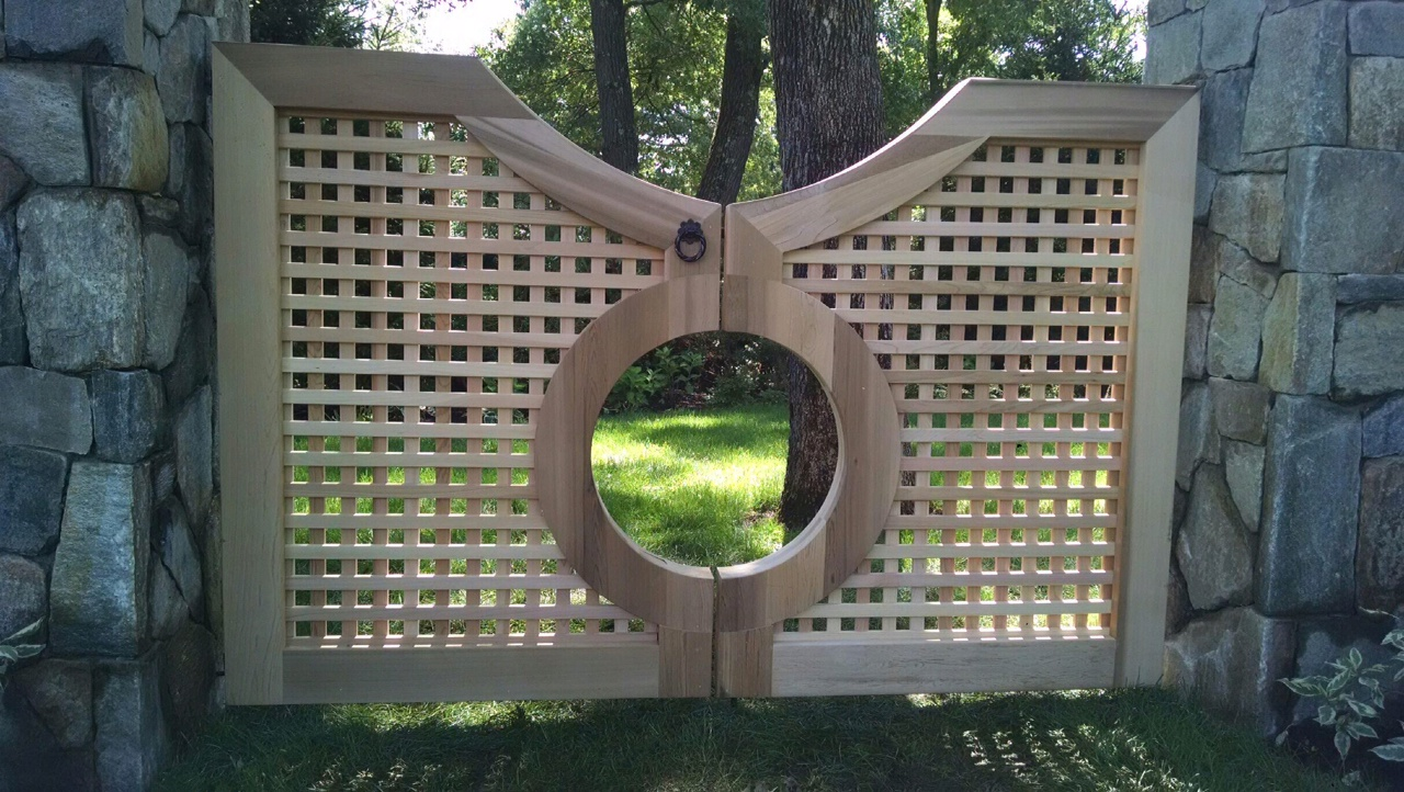 Custom Lattice Walkway Gate with center circle effect