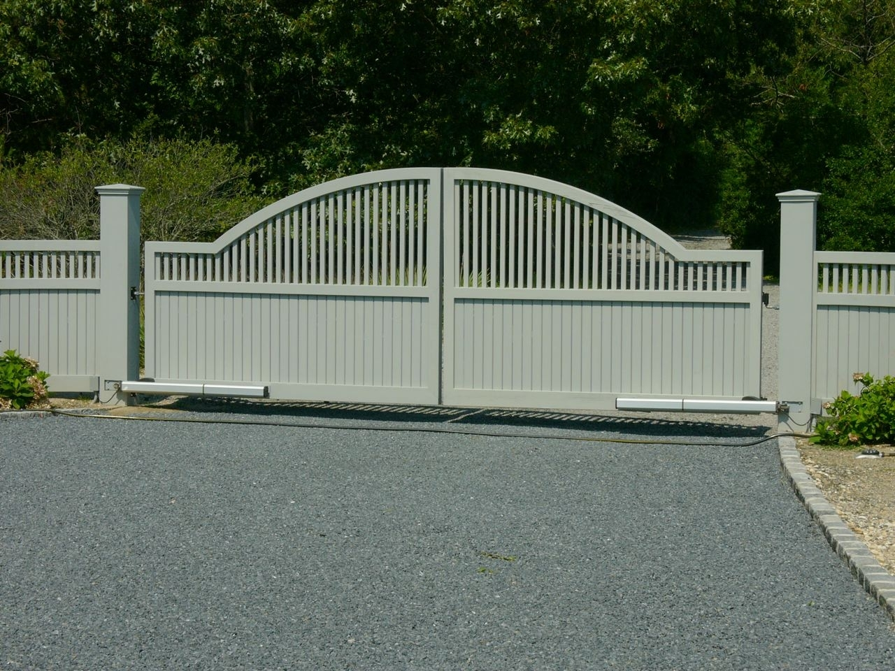 Estate Convex Cedar Driveway Gate with auto access controls