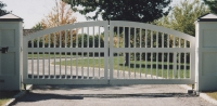 South Hampton Convex Wooden Driveway Gate (B)