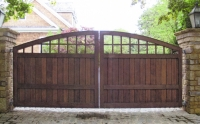 South Hampton Convex Wooden Driveway Gate (C)