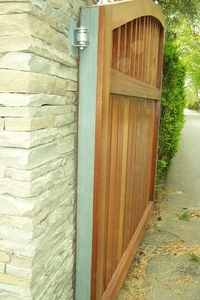 Counsel Hinge option for Wooden Driveway Gates
