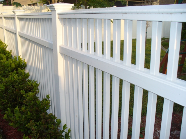 Custom Hybrid Picket Fence