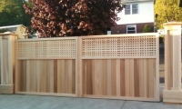 Custom Design Wooden Privacy Entry Gate