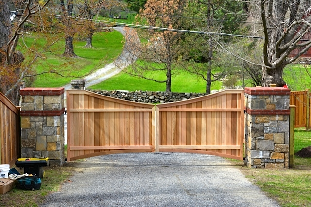 Wooden driveway gate custom made out of western red cedar for Wooden driveway gate designs