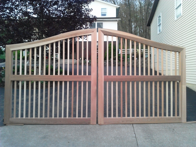 Sag Harbor Design Wooden Entry Gate