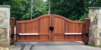 Sag Harbor Convex Wooden Driveway Gate with Auto Access Controls